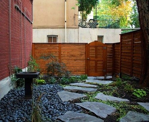 Nice for the side yard, like the low maintenance rock and gravel ...also dig the fence