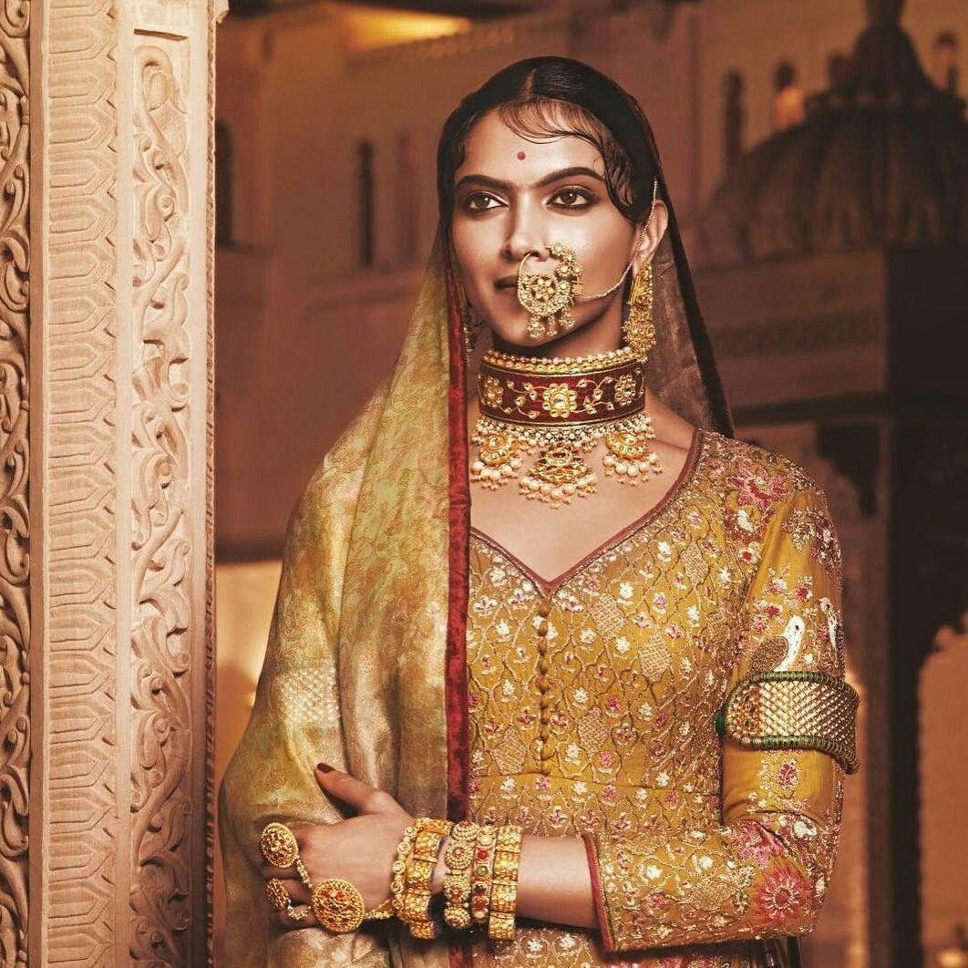 Goddess Queen Padmavati Fashion Deepika Padukone Style Deepika Padukone