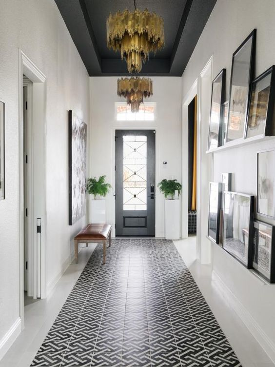 4 reasons to paint your ceiling dark if you are considering going a little less nontraditional with paint colors on your ceilings #dukemanorfarm #darkceilings #paint