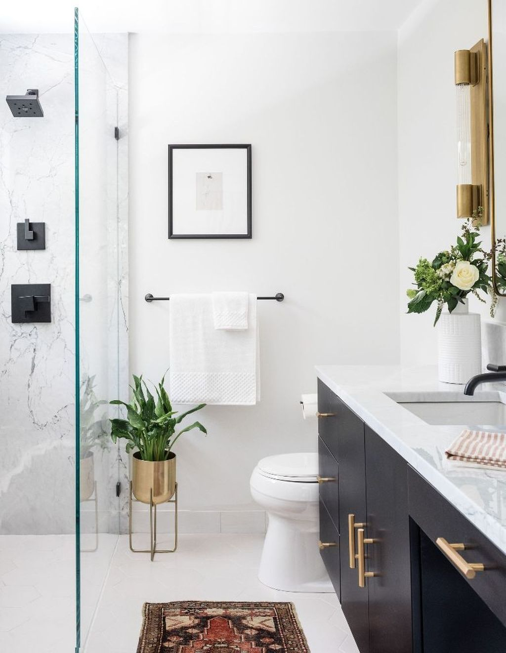 41 Captivating Small Master Bathroom Ideas images