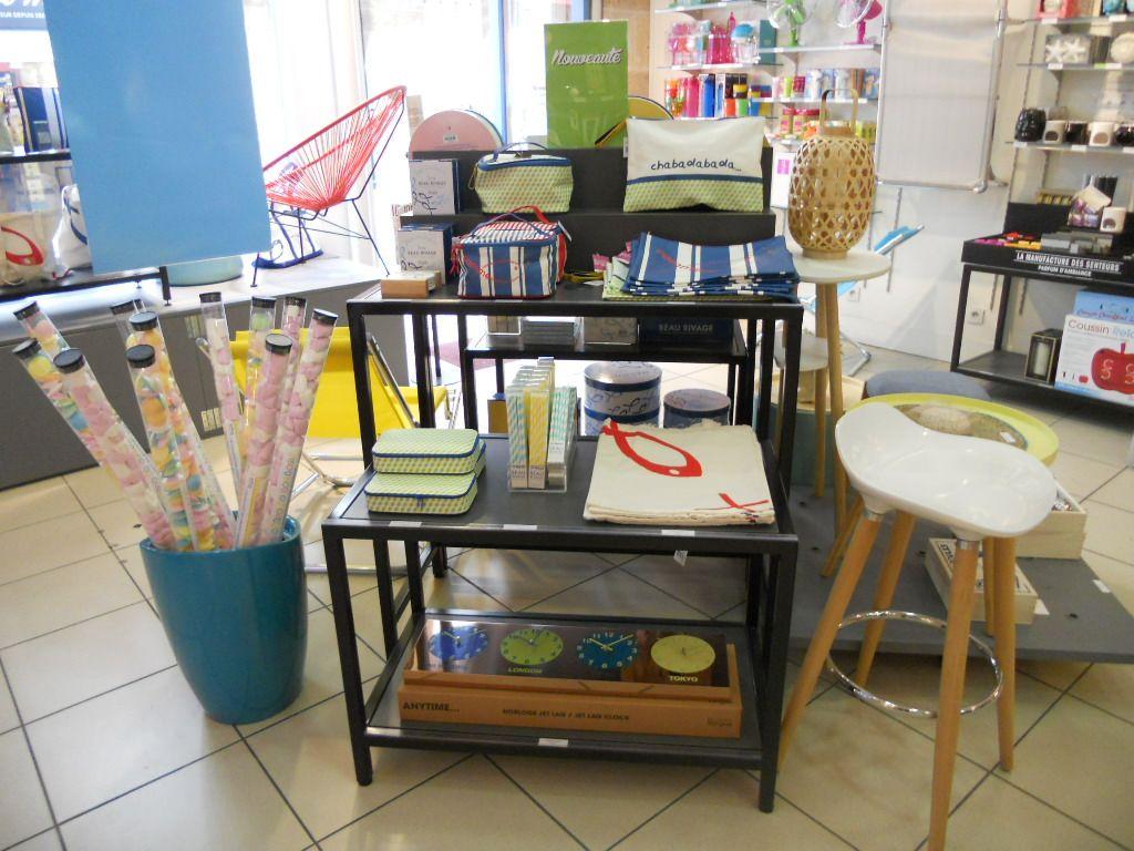 boutique la chaise longue bordeaux beau rivage vitrines. Black Bedroom Furniture Sets. Home Design Ideas