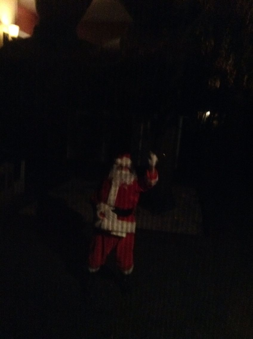 Omg we actully saw santa if u beleive follow me