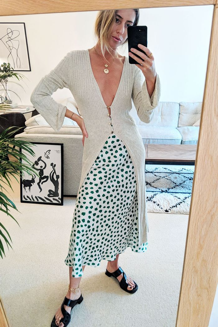 Here's How I Turned My 3 Favourite Midi Skirts Into 9 Perfect Outfits is part of Mens fashion Rustic Wedding - Stylist Hannah Lewis created nine midiskirt outfit ideas for 2019 this week, and we're adding everything to our shopping baskets…