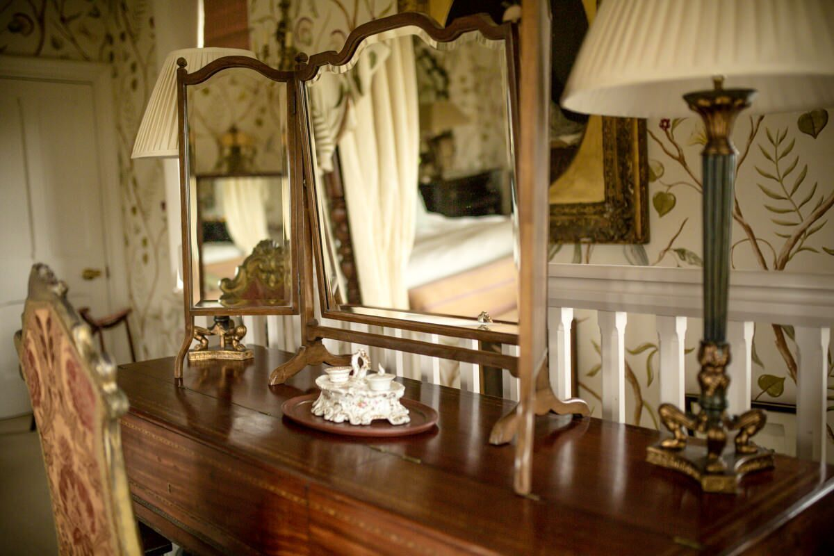 Dressing table baroness tower at carlton towers carlton towers