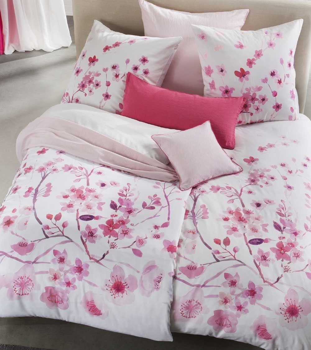 Die Rosa Bettwasche Mit Kirschbluten Fasziniert Mit Ihrem Hochwertigen Digitaldruck Passend Zum Valentinstag Konn Bettwasche Rosa Bettwasche Satin Bettwasche