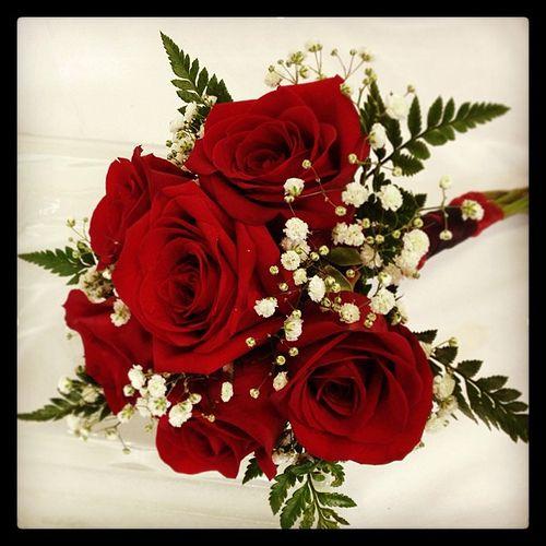 Best 25+ Red Rose Bouquet Ideas On Pinterest