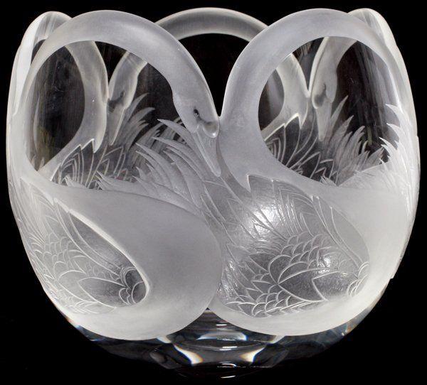 STEUBEN GLASS 'SWAN' BOWL, 1985,