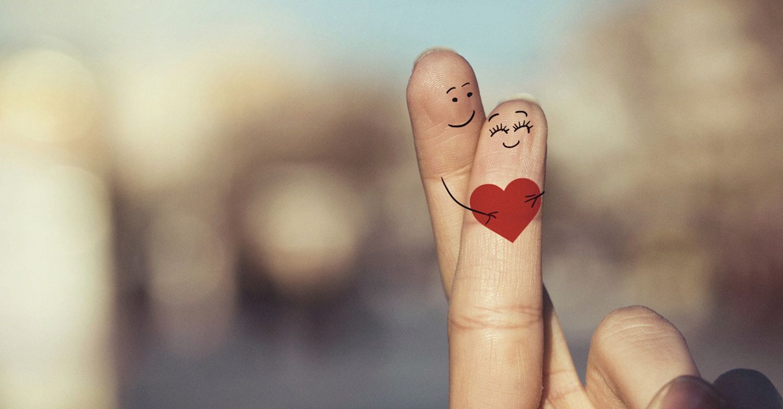 Картинки пальцы целуются стало
