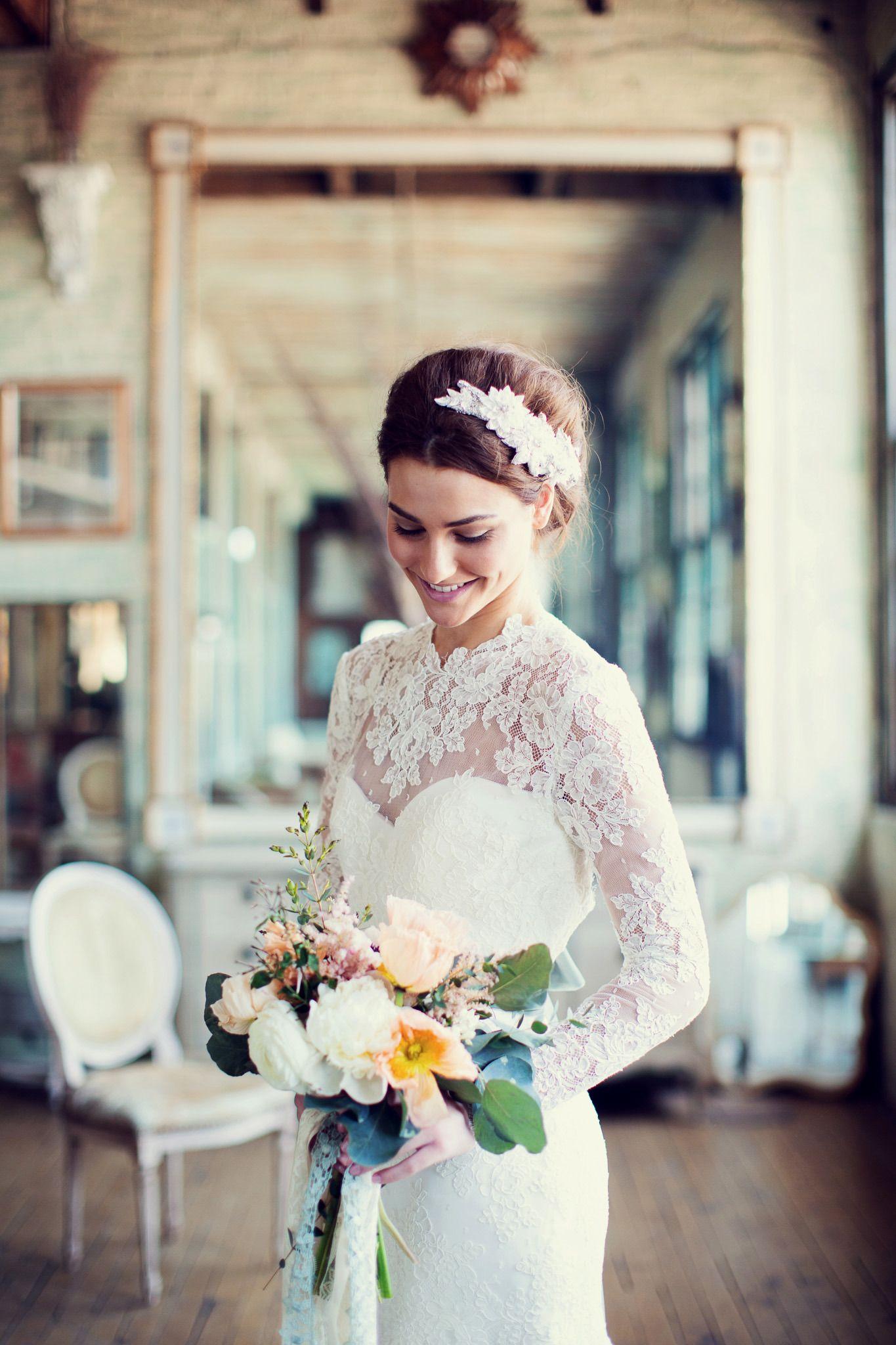 Photography: Peaches And Mint - www.peachesandmint.com  Read More: http://www.stylemepretty.com/2014/05/12/emerald-mint-peach-wedding-inspiration/
