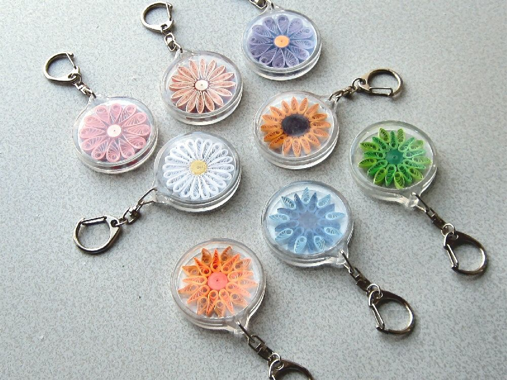 Quilled Keychain By Barbarasbeautys On Etsy Quilling Keychains Quilling Earrings Quilling Designs