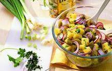 Knackiger Salatgenuss: Bunter Kartoffelsalat - Salate - DAS HAUS