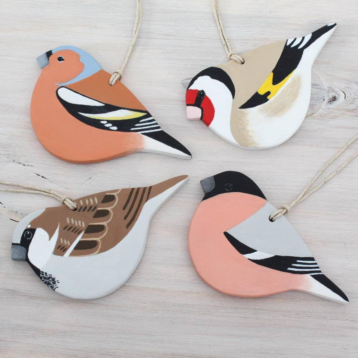 Garden Bird Hanging Ornaments Handmade Clay Tree Decoration Handpainted Sparrow Goldfinch Chaffinch Bullfinch Wall Clay Crafts Air Dry Clay Ornaments Clay Bird