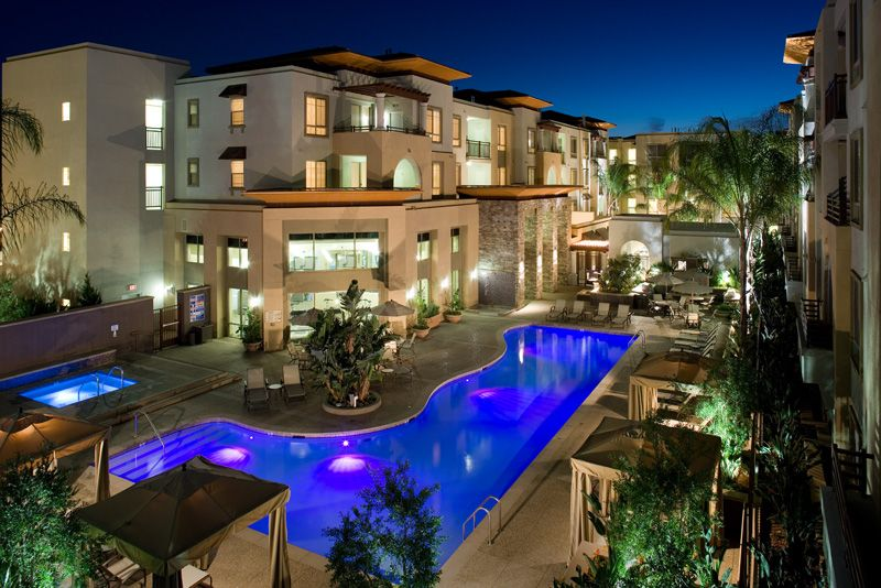 Located In The Warner Center Neighborhood Of Woodland Hills Triana Is Approximately 362 Units Of Residential And 10 0 Woodland Hills Architect Apartment Pool