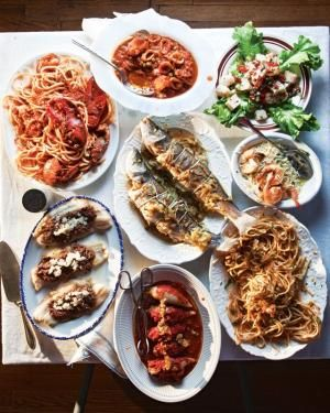 Seven Fishes Christmas Eve.Feast Of Seven Fishes A Traditional Christmas Eve Dinner In Italy