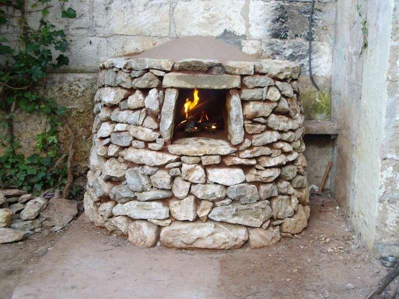 Construcci n de un horno moruno mallorca horno de le a for Como hacer un horno de lena de hierro