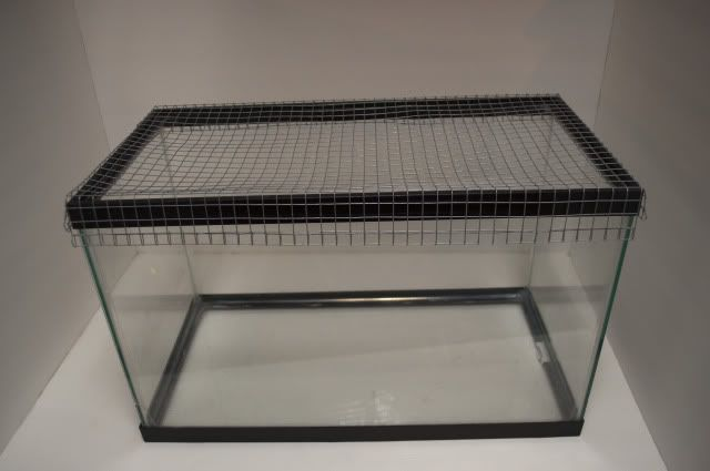 Diy Wiremesh Tank Lid Ever Want To Make Your Own Tank Lid Sure The 10 Gallon Lids Are Only About 10 But Still That Hamster Diy Hamster Tank Diy Fish Tank