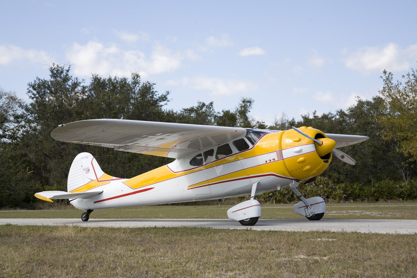 The piper pa 28 cherokee is a family of light aircraft designed for flight training air taxi and personal use it is built by piper aircraft