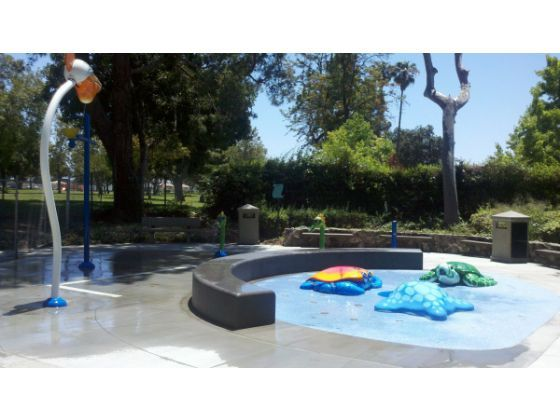 New Splash Pad Opens Today In Garden Grove Gardens Growing Up And Parks