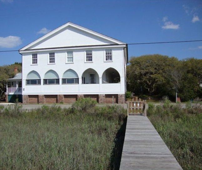 Spotted From The Crow's Nest: Beach House Tour-Pelican Inn