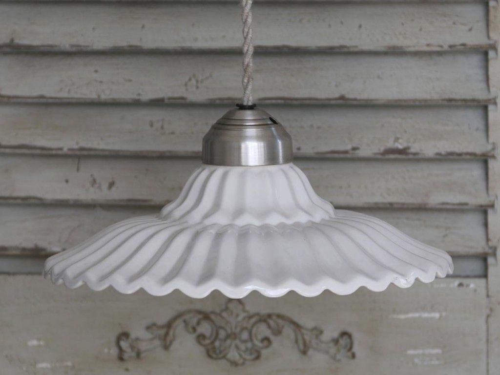 Lampa, vitt porslin och fransk lantstil   Hängande lampa