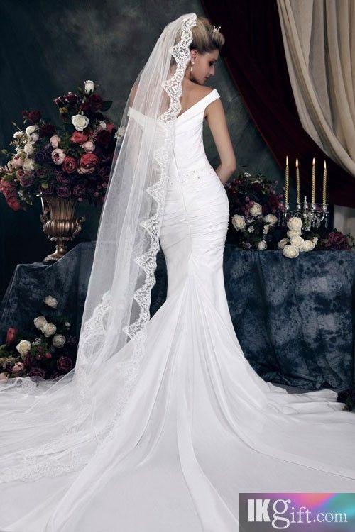 Long train... Long vail... mermaid style | Wedding dresses ...