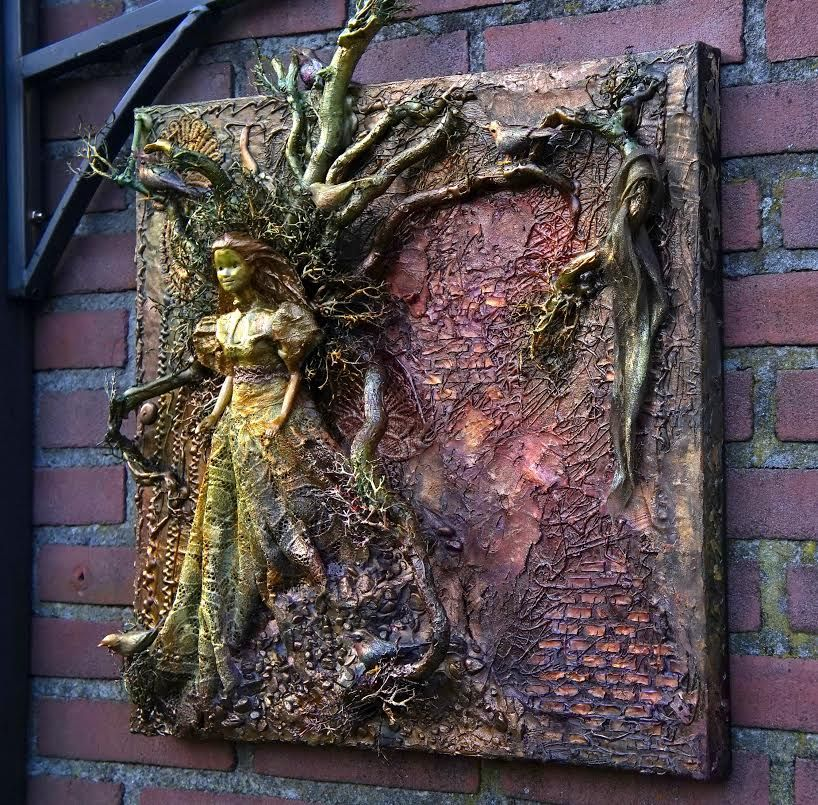 Kind of Dryad and lot of fun ..made by Irene Wijnands Porebski ...