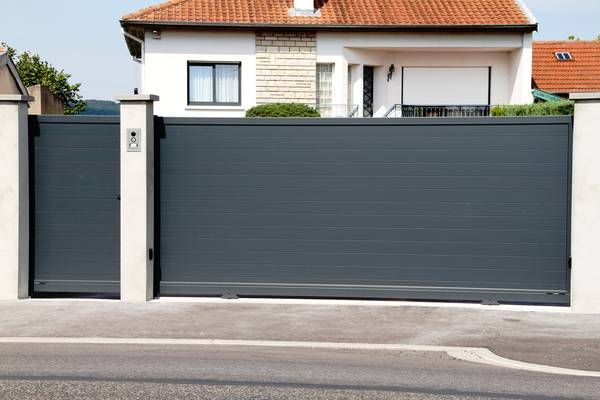 Portails Coulissants Recherche Google With Images House Gate Design Fence Design Modern Fence