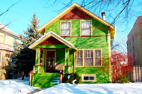 10 wacky exterior paint photos that will shock you blend into the neighborhood exterior house colorsgreen - Green House Paint Colors