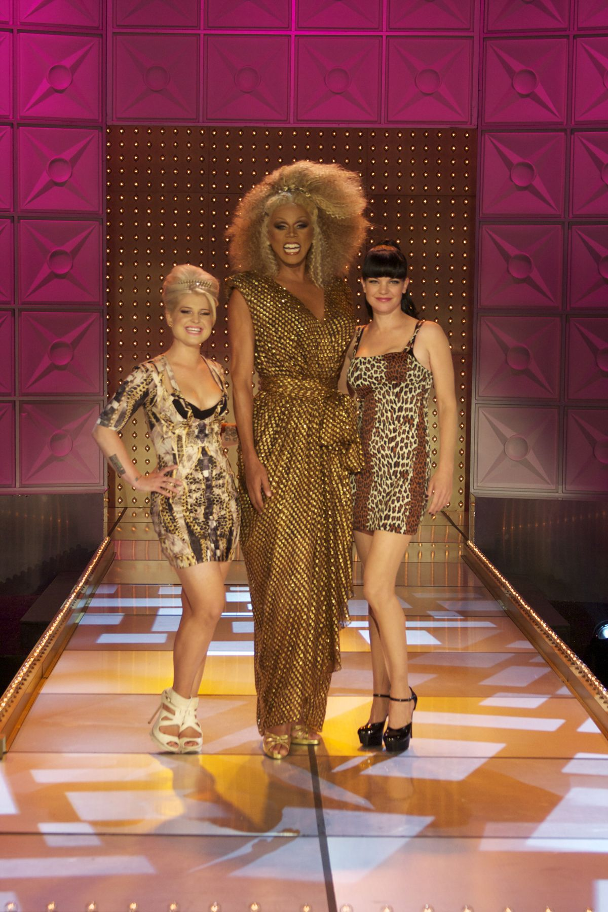 Rupaul's fabulous dress from the Float Your Boat episode of season 4