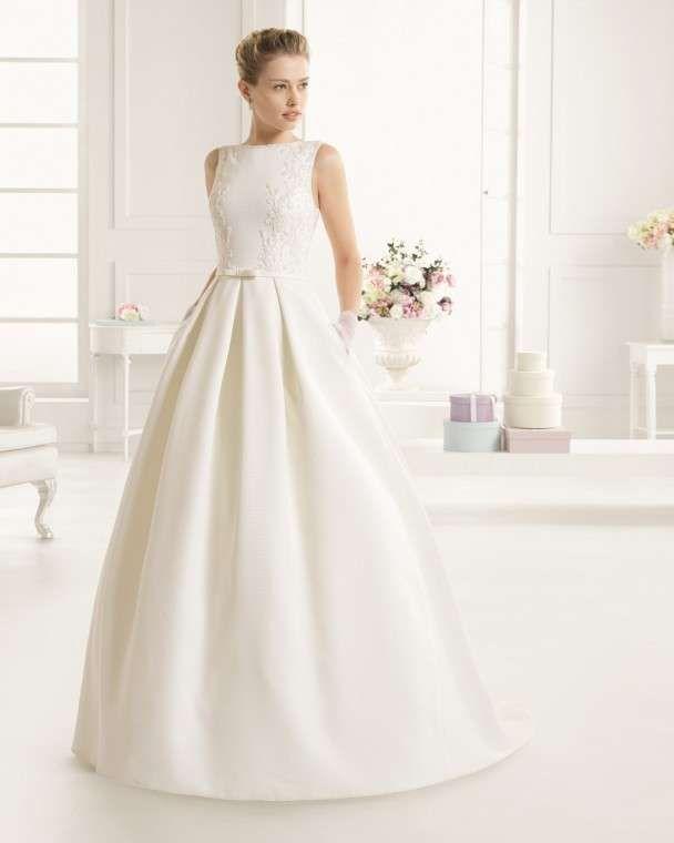 Vestido de novia rosa y blanco