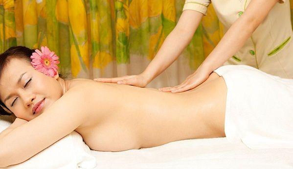 Các bước massage giảm béo ngay tại nhà cho bạn gái