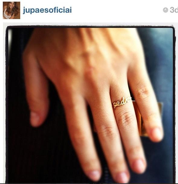 Juliana Paes com anel de nome de seu filho by fabi malavazi #fabimalavazi desde 2010 fazendo os anéis de nomes para as mamães