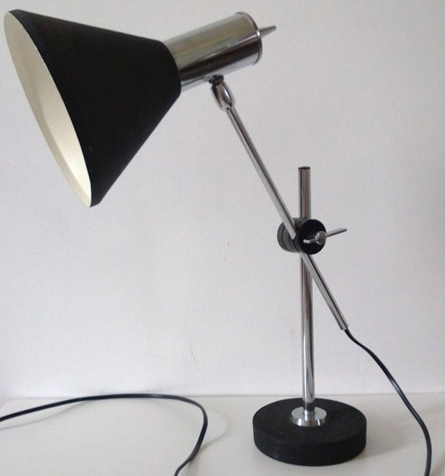 Een Lamp Die Je Niet Veel Meer Ziet Met Een Prachtig Design Origineel Van Het Nederlandse Merk Herda Het Snoer Met Stekker Is Vernieuwd Lampen Design Snoeren