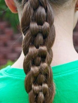 Unique 6-strand braid. For a tutorial how to recreate this go to my recreations pin board :) #hair #braid