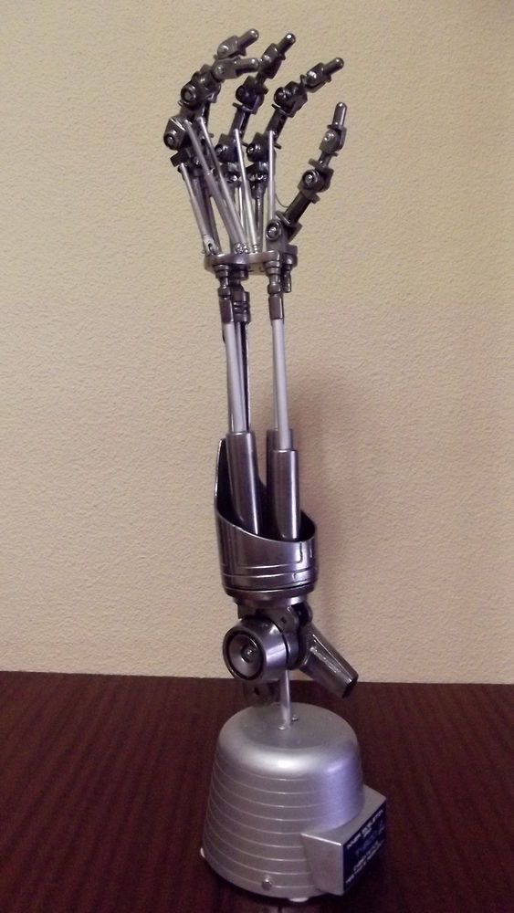 """21""""TERMINATOR T-800 Endo Skeleton Arm with Base Sci-Fi Movie Resin Model 1/1"""