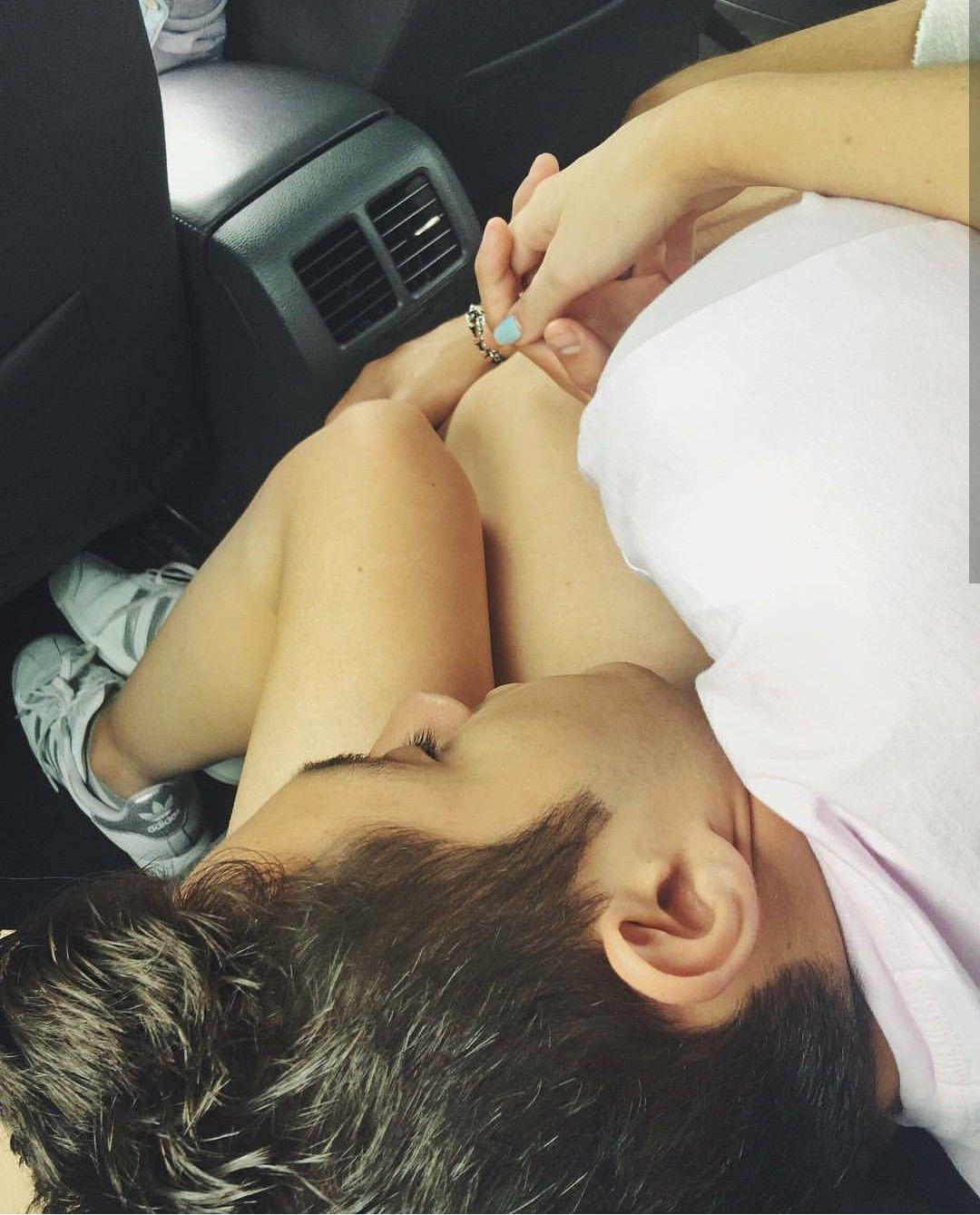 Süße schwarze Paare küssen Tumblr