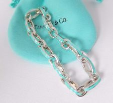db0fe1199 Tiffany & Co Silver Blue Enamel Clasping Link 7.5