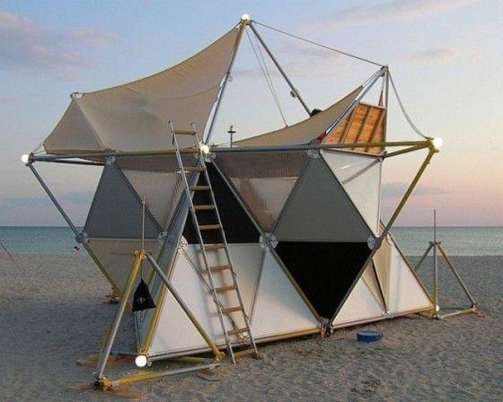 Dise os de casas para acampar originales y ligeras for Jardines pequenos triangulares