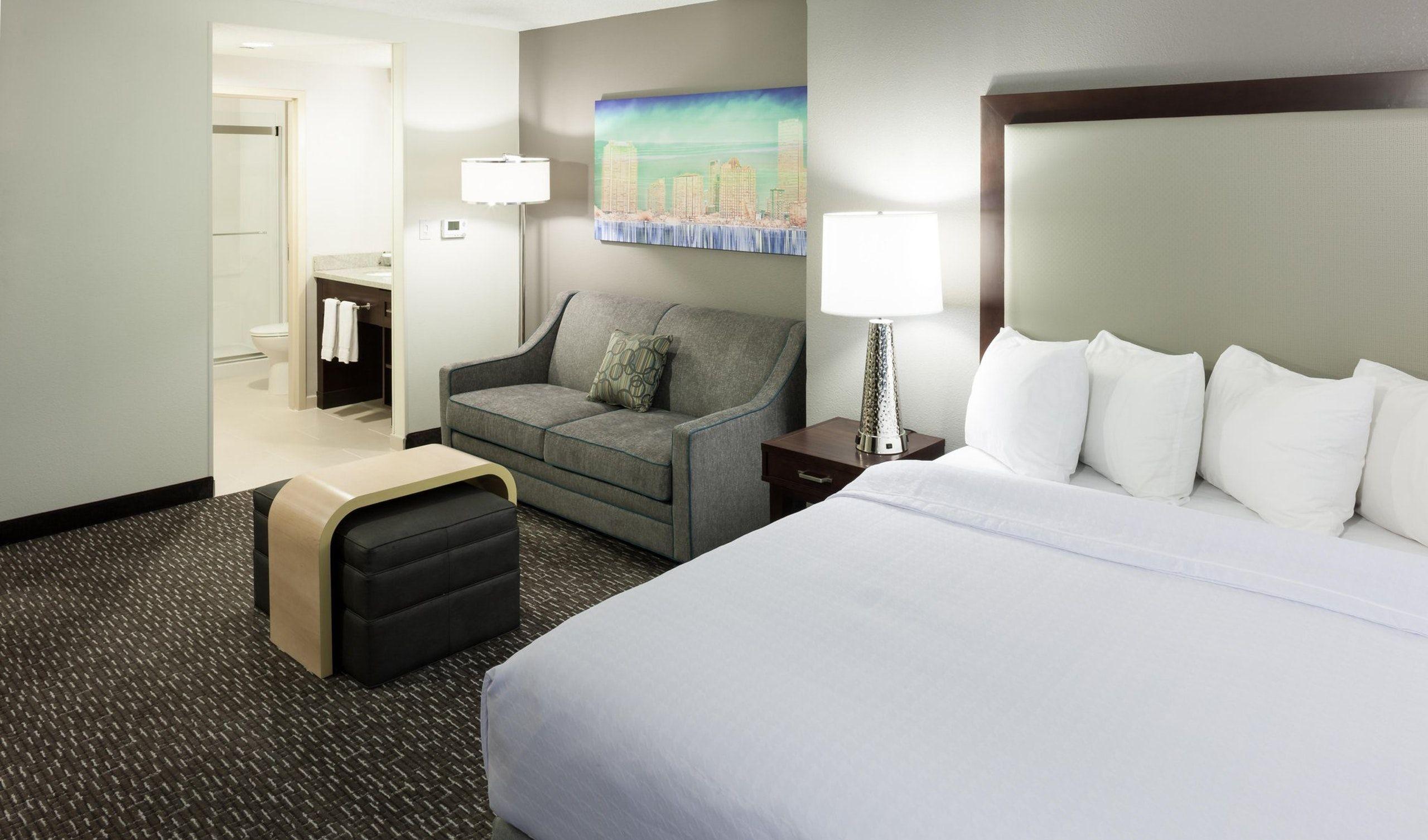 Suites At Homewood Suites by Hilton MiamiAirport/Blue