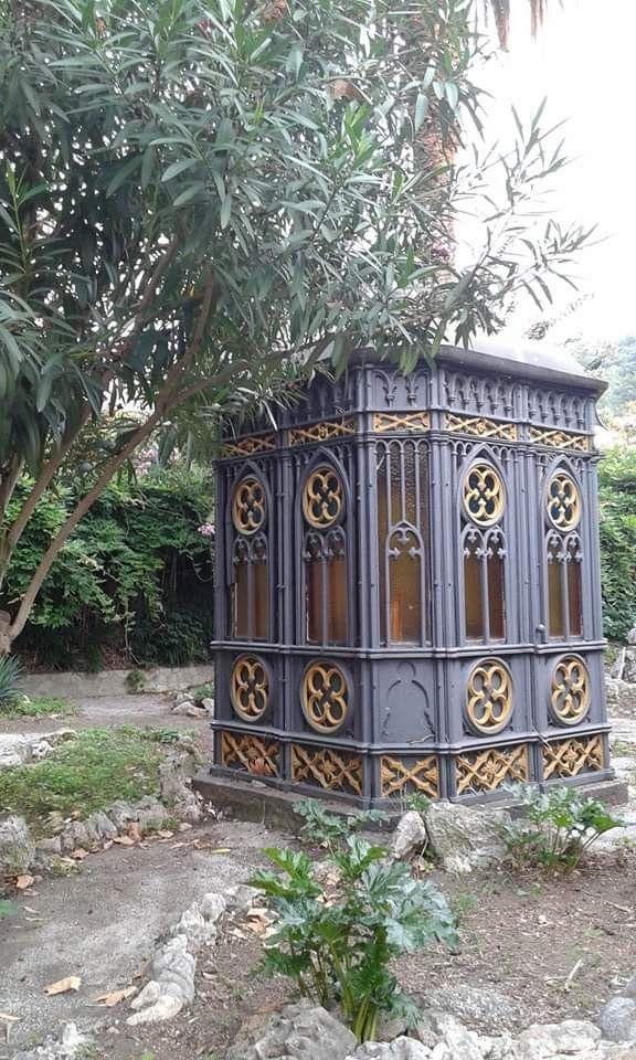 Pin di Marinella Rossi su Decorazione Giardino, Decorazioni