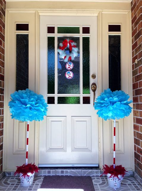 Thing 1 and thing 2 party decorations front entryway for Baby shower front door decoration ideas