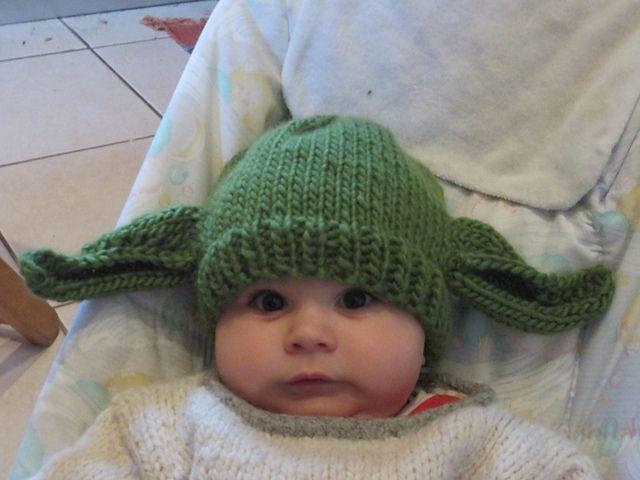 Ravelry: Yoda pattern by Segolene Roudot   Baby hats ...