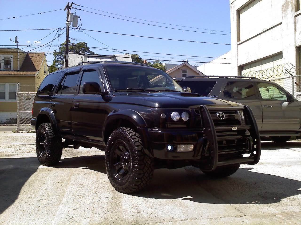 new lift new look on my dad 39 s 2000 toyota 4runner jeep garage jeep forum my 4runner. Black Bedroom Furniture Sets. Home Design Ideas