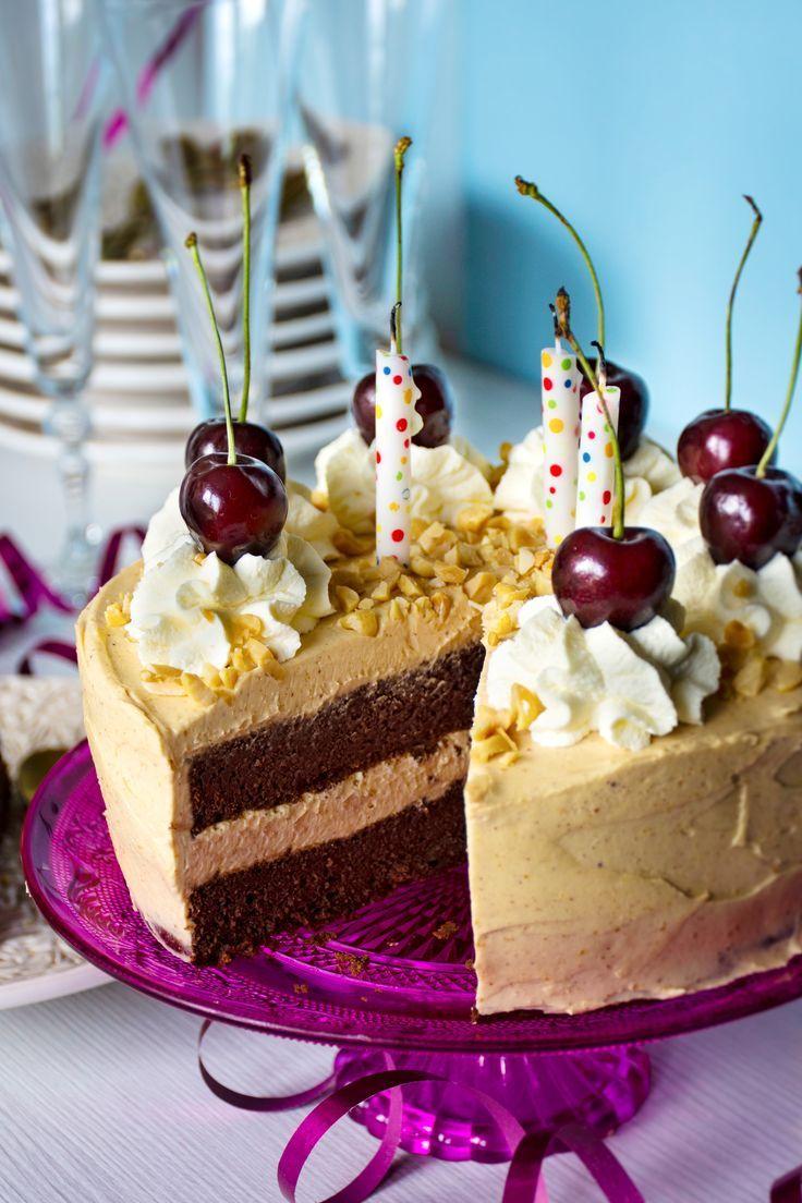 Keto chocolate cake with peanut buttercream Recipe