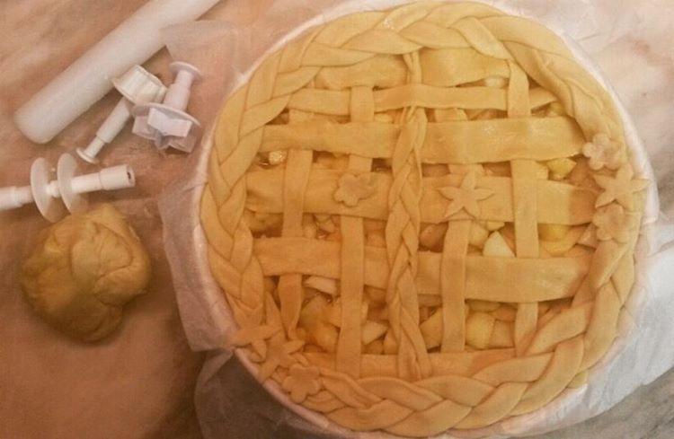 Cinnamon Apple Pie - Tarte de Maçã e Canela #cinnamon #pie #apple #applepie #instafood #foodporn #gordicesdodia