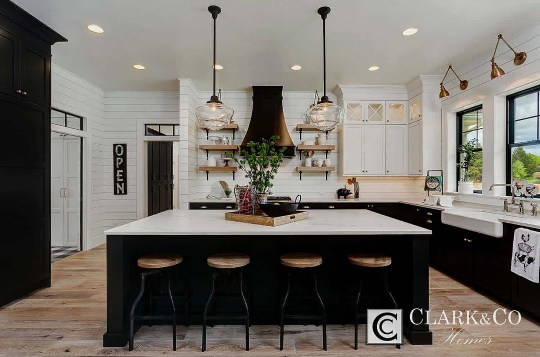 Absolutely stunning modern farmhouse-inspired residence in Idaho #modernfarmhousestyle