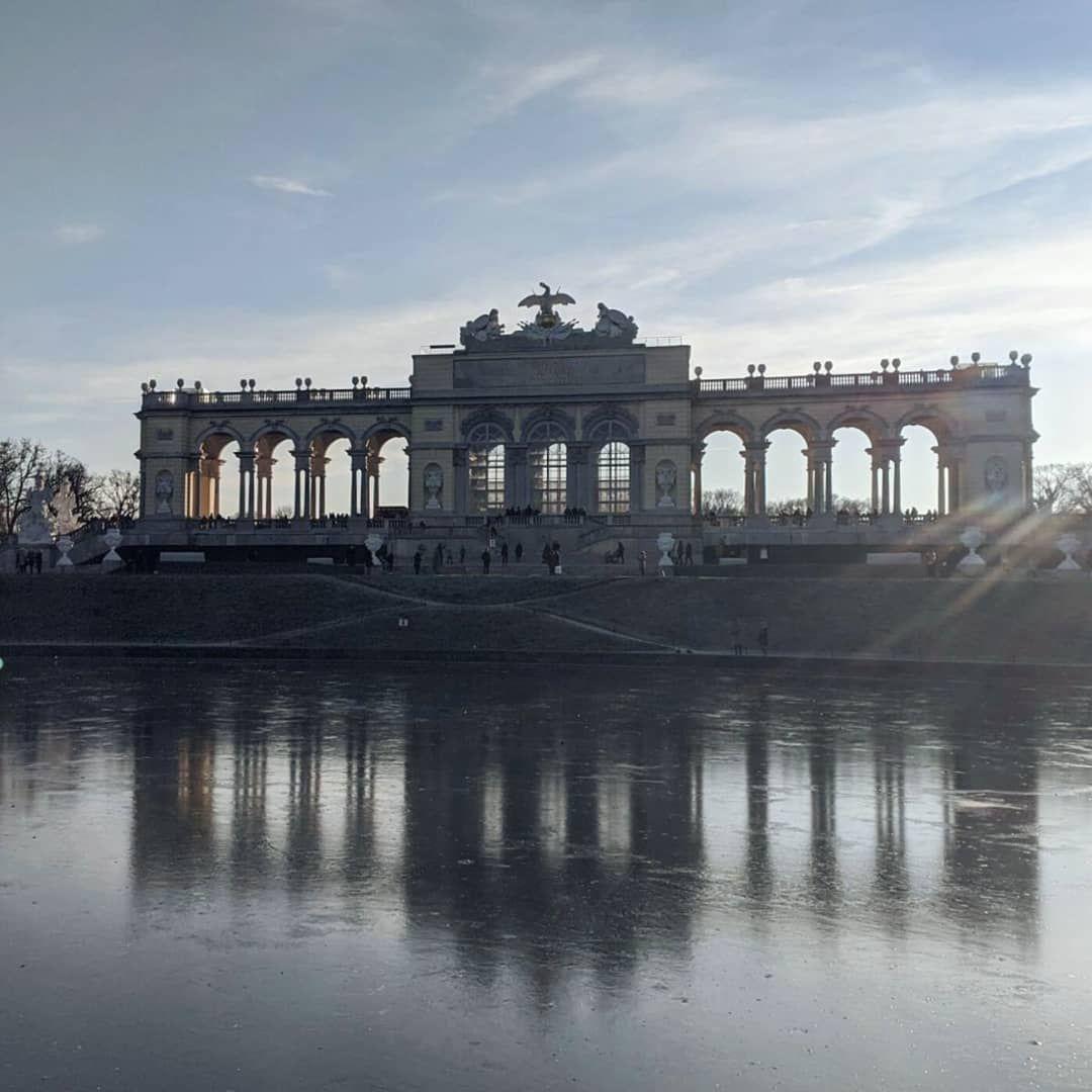 Vienna views 👀 . . .  #beautifuldestinations #travelshots #ilovetravel #exploremore #travel #travelgram #thewanderingto...