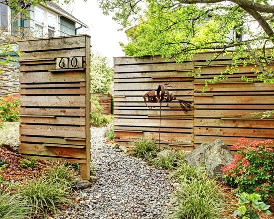 Front Yard Privacy Garden Fence Ideas Wood Gravel Walkway Iron