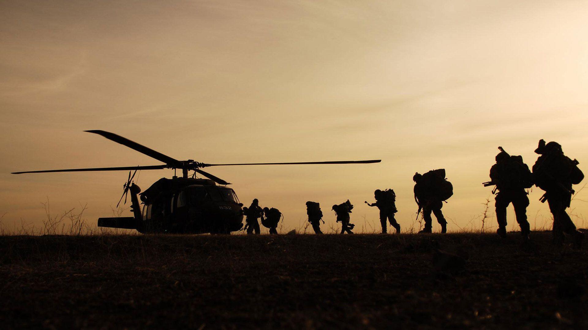 Http Www Hdwallpapersdesktop Com Military Night Hawk Night 20hawk 20wallpaper 20hd 20helicopter 20mili Military Wallpaper Army Wallpaper Military Soldiers