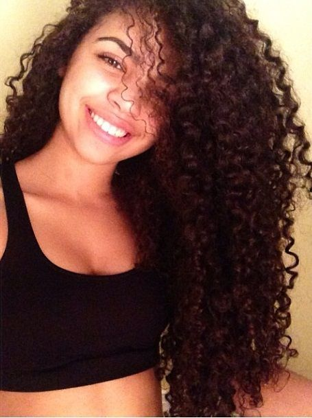 Curly Hair Of Girls In 2019 Light Skin Girls Mixed Girl
